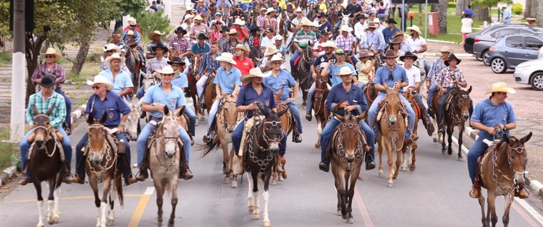 Qual a importância do desfile de cavaleiros?